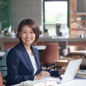 青柳夏苗行政書士事務所代表
